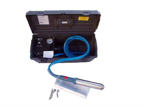 HAND-HELD THERMOPLASTIC WELDER W/TACKING TIP & 1018 SPEED TIP